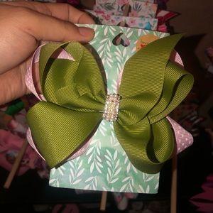 New handmade bow